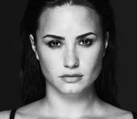 Demi Lovato en su photoshoot para el álbum 'Tell Me You Love Me'