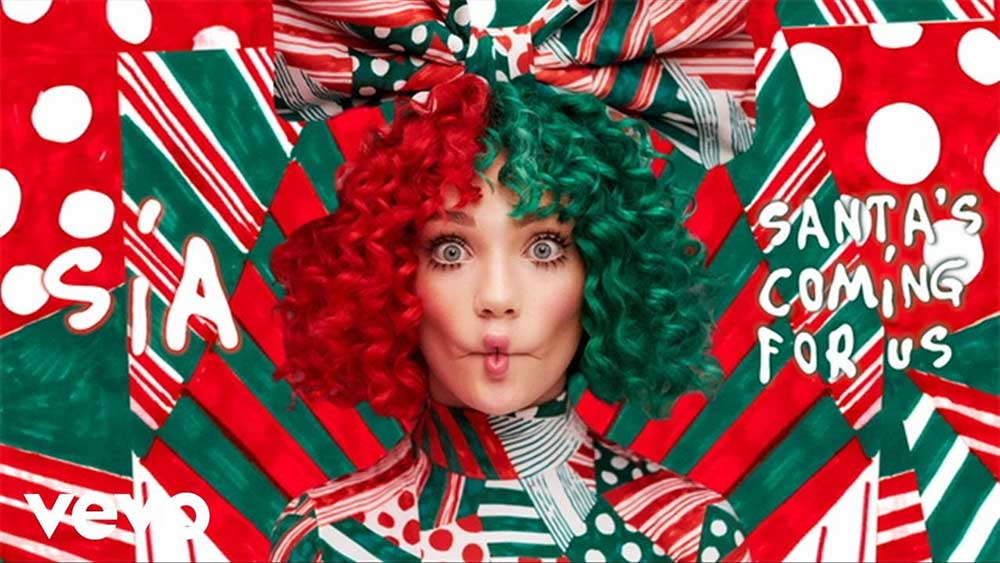 Sia lanza su primer villancico, 'Santa's Coming For Us'