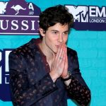 Shawn Mendes conquista la noche de la música pop